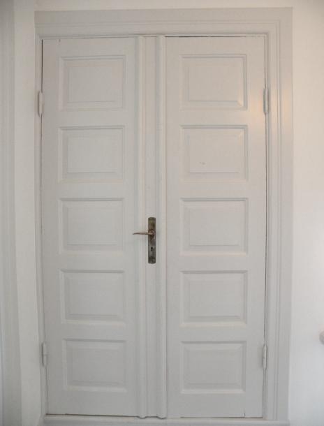 Spegeldörrar